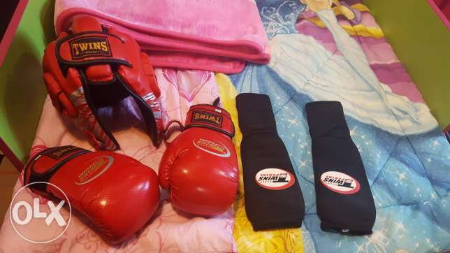 2 set boxing training gloves and hamlets for kids