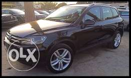 VW Touareg 2011 Black/Black in Excellent Condition!