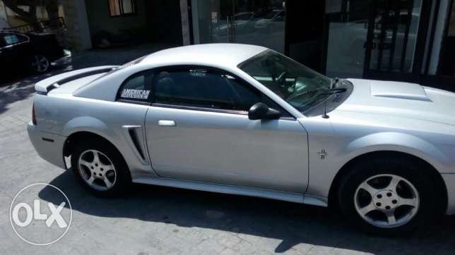 ford mustang 2004 great condition V6