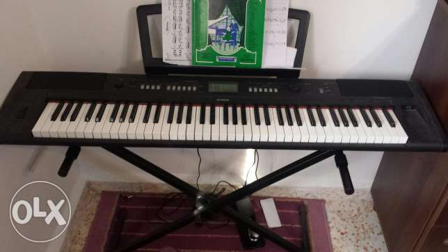 Yamaha Piagerro NP-V80 with FC-4 Sustain Pedal