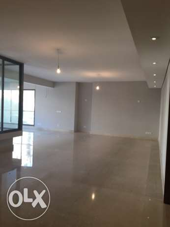 Clemenceu: 275m apartment for sale ميناء الحصن -  2
