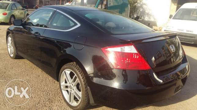 Honda Accord Coupe model 2009