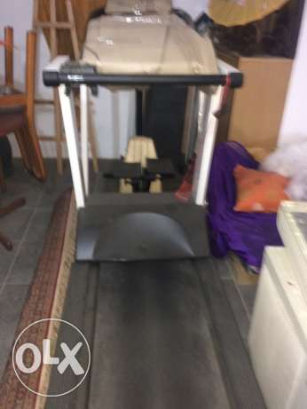 precor treadmill like new barelly used for sale nade in USAssss