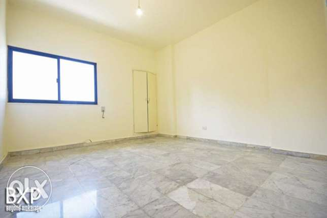 170 SQM Apartment for Rent in Beirut, Hamra AP5293 راس  بيروت -  8