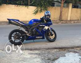 Motorcycles r1 2006