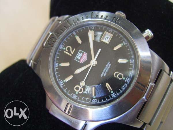 Stunning Swiss Tag Heuer Quartz men's watch with light