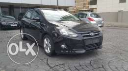 Ford Focus 2013//Hatch Back مصدر الشركه full with Sunroof/Rims/Bluetoo