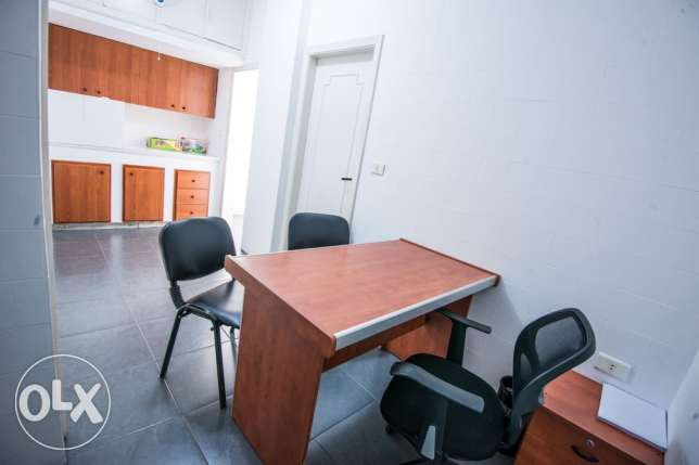 room in a polyclinic at jounieh (عيادة) كسروان -  6