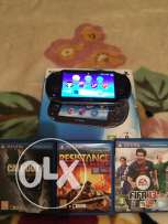 psvita touch exelent condition with 3 games and box
