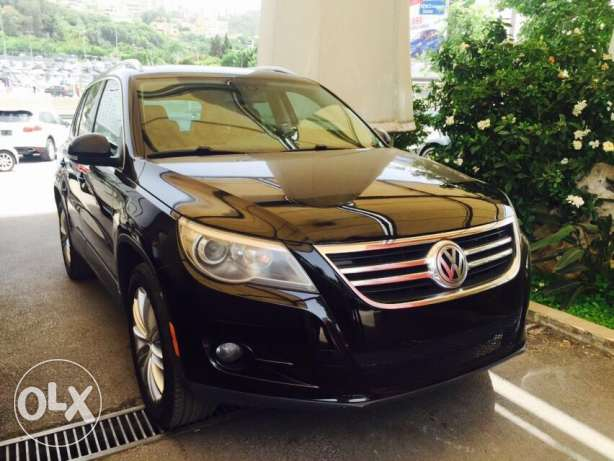 VW Tiguan 2009 Black&black