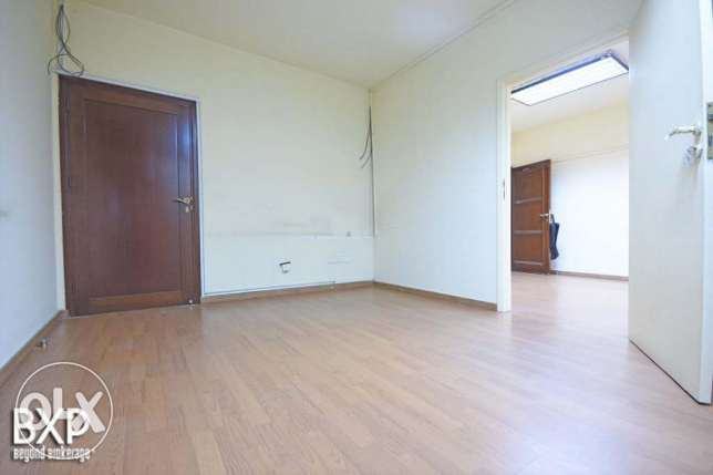 135 SQM Office for Rent in Beirut, Ain El Mraiseh OF5444 راس  بيروت -  4
