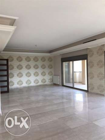 Jnah: 300 m apartment for rent.
