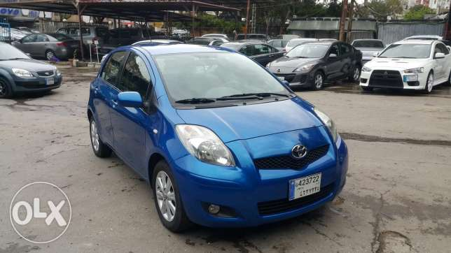 Toyota yaris 2009 like new