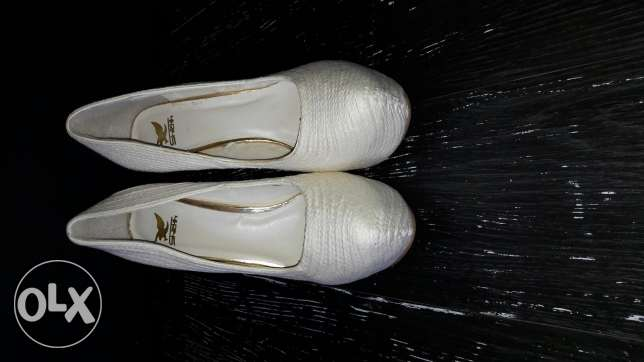 New high heel pumps with gold bottoms
