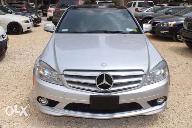 model2009 silver C300 navigation large screen panoramic roof new tires