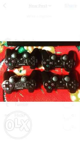 Ps3 + 3 cd call of duty + need for speed carbon + fifa 10 + 4 manet