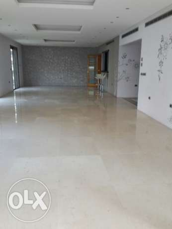 MG523, apartment for rent in Ramlet El Bayda,450 sqm, 6th Floor.