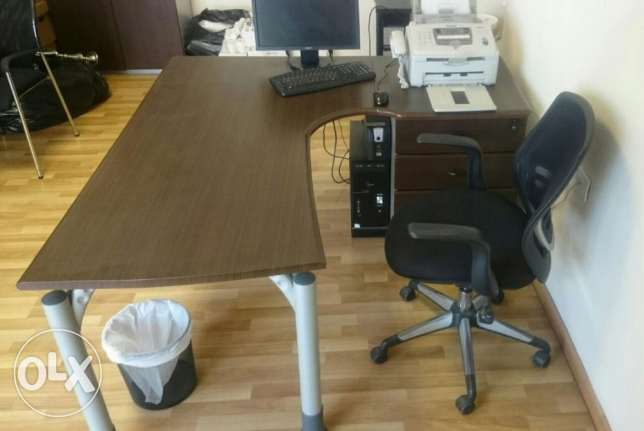 Desk Office with Chair راس  بيروت -  5