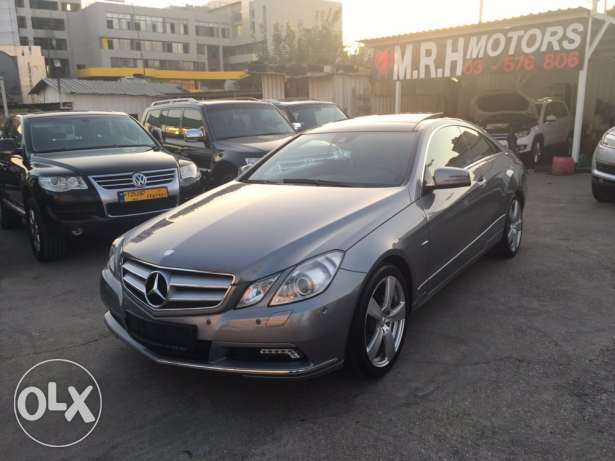 Mercedes E250 Gray/Red 2010 Fully Loaded in Excellent Condition! بوشرية -  1