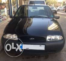 Ford ,full (A/C, airbag, power windows.. ) , Manual