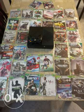 Xbox 360 with 34 discs in a very clean condition