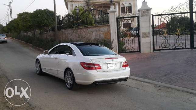 Mercedes e 350 coupe 2010 ajnabiyi amg line color pearl white loulou أشرفية -  3
