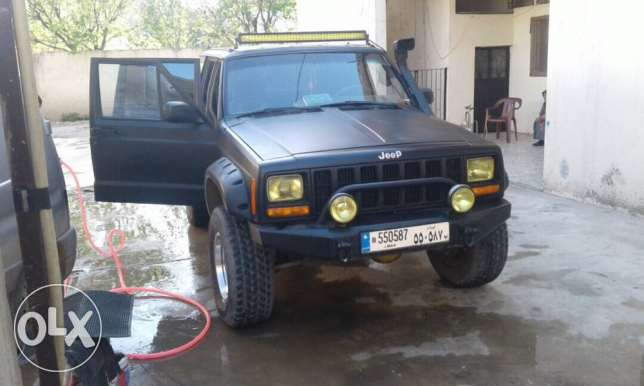 jeep cheroke ready for offroad 6000$ price negotiable
