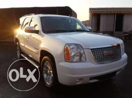GMC Yukon 2008 SLT Clean Carfax Fully loaded !