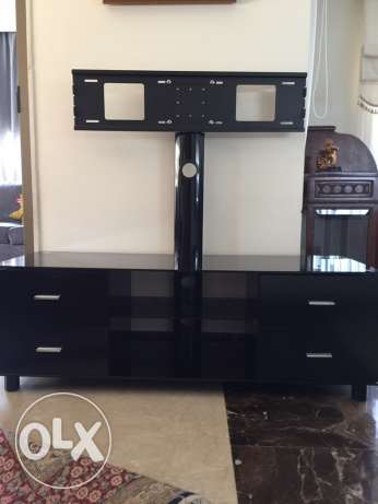 tv stand and 4 drawers