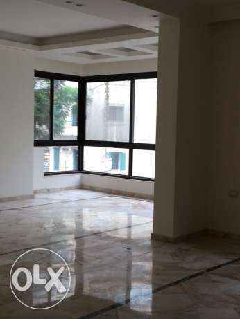 Talet Khayyat : 300m apartment for rent
