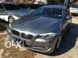 Bmw 528 year 2011 full option vary new clean Carfax'