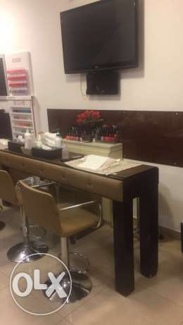 beauty lounge for rent or sale