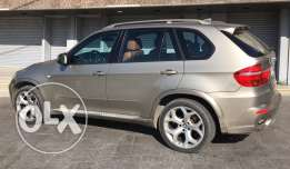 BMW X5 2007 E70 3.0si Full Options Excellent condition