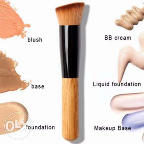Soft Fiber Angled Flat Top Foundation Powder Brush Cosmetic Tool الميناء -  2