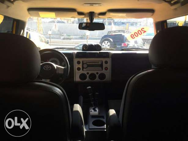 Fj Cruiser 2009 4×4 ,very low mileage, clean carfax, full options. الشياح -  5