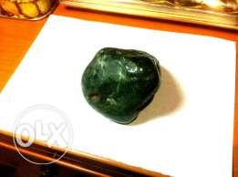 Rough gemstone green maw sit sitعقيق اخضر خام ونادر