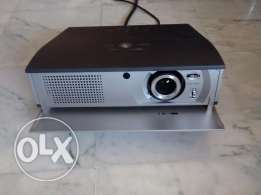 Video projector Sanyo Z1 with motorized screen and 10m cable.