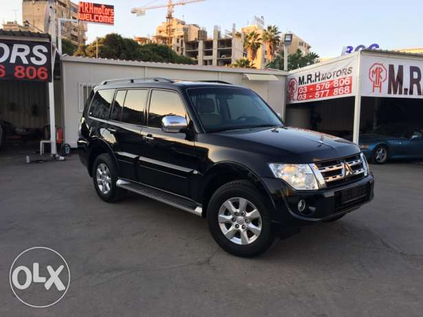 Mitsubishi Pajero 2010 Black Top of the Line in Excellent Condition! بوشرية -  1