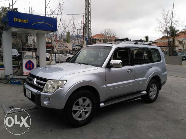Mitsubishi pajero 2008 full option clean carfax