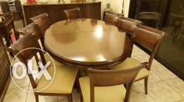 Table ovale format + eight chairs for dinning room