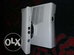 xbox 360 with kinect and two controllers