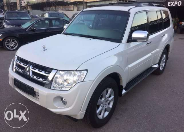 2012 White Pajero 3.5L Like New Low mileage Fully loaded !