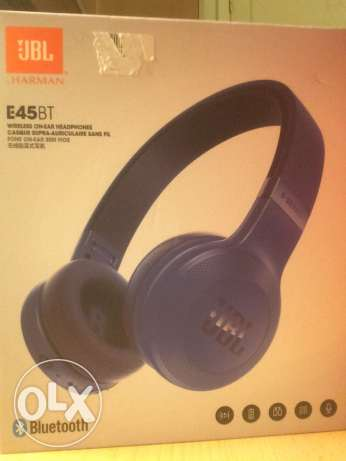 jbl E45BT wireless on ear headphones contact me by whatsapp
